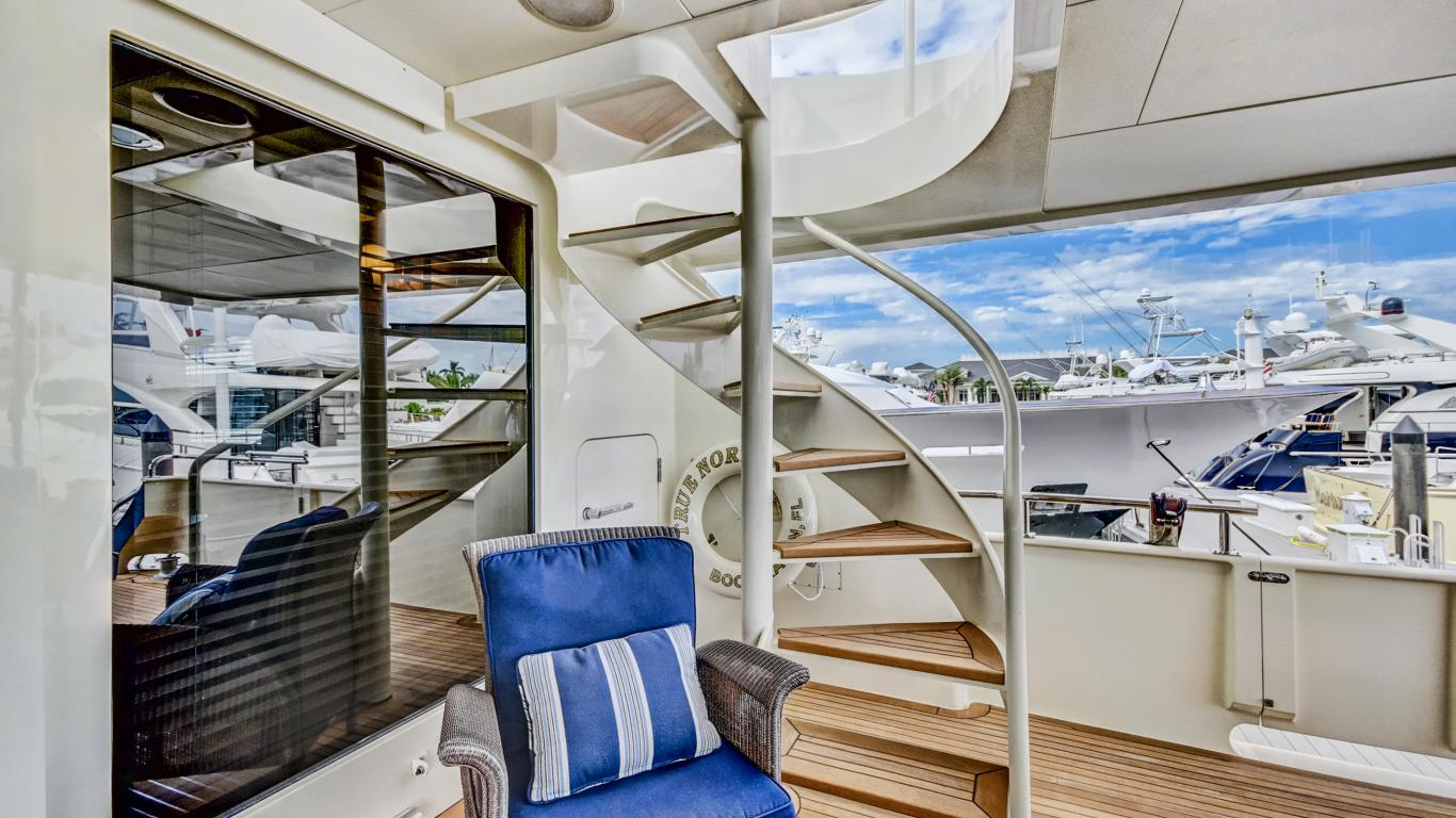 Stairs from Aft deck to Flybridge
